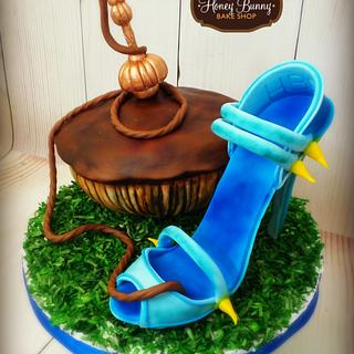 Alice in Wonderland Collaboration-Caterpillar - Cake by Honey Bunny Bake Shop