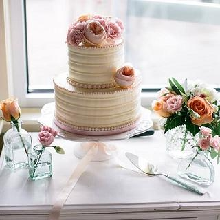 Combed Buttercream Cake