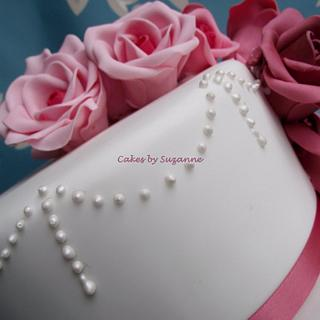 pink roses for my mum x - Cake by suzanneflynn