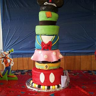 Mickey club house - Cake by Tracy Buttermore