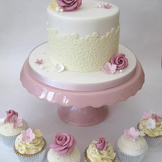 White, Cream & Dusky Pink Cutting Cake