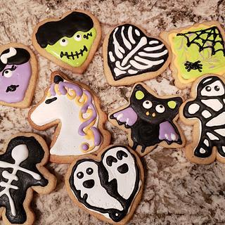Halloween cookies  - Cake by TheUnicornHorn