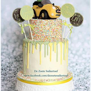 Spot, the good dinosaur, on a drippy cake  - Cake by De Zoete Suikertoef