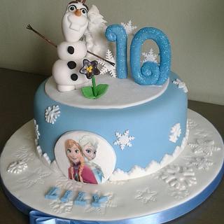 Do you wanna build a snowman?  'Frozen' - Cake by Louise Hodgson