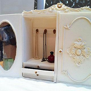 Jewellery cabinet cake - Cake by nuria