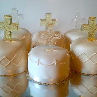 Diamond Themed Table Mini Cakes - Cake by Mimi's Sweet Shoppe Amanda Burgess