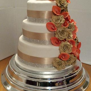 Autumn champaign rose and orange lilly wedding cake  - Cake by Andrew Phillips