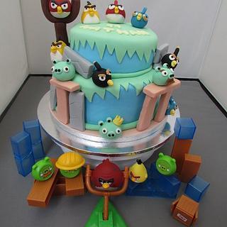 Angry Birds Cake - Cake by Hellocupcake