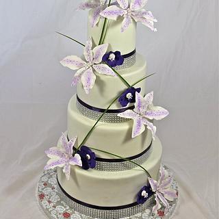 tropical glam wedding cake