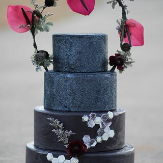 Black Wedding Cake - Cake by QuilliansGrill
