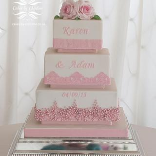 'Pretty in Pink' wedding cake