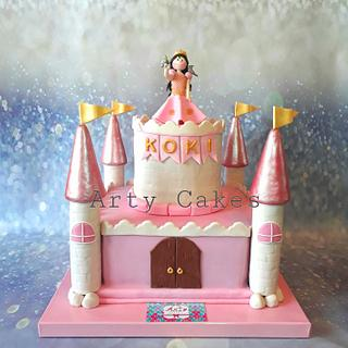 Princess castle by Arty cakes