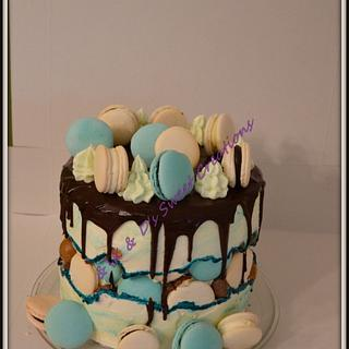 Faultine drip cake for him