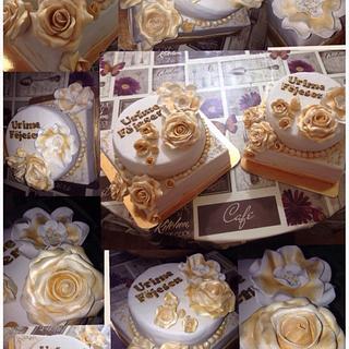 Engagement  - Cake by helenfawaz91