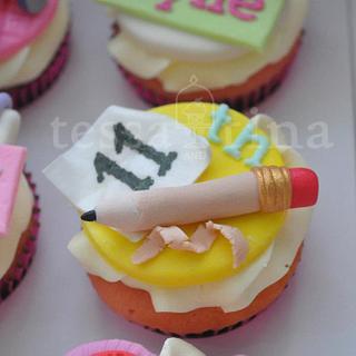 Artsy - Cake by tessatinacakes