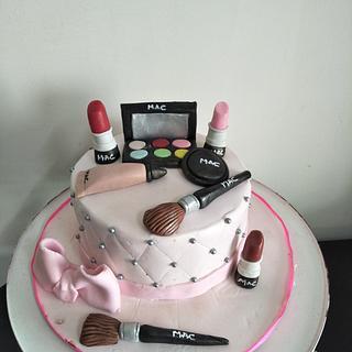Make up theme cake