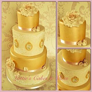 Vintage Cameo Wedding Cake
