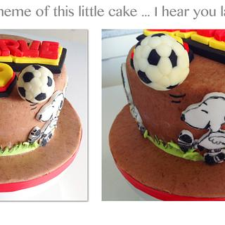 Charlie Brown & Snoopy footballing