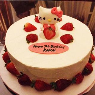 Hello Kitty Strawberry Cake - Cake by 6 Bittersweets (Xiaolu)