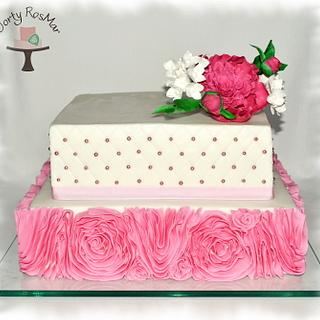 Wedding cake with peony - Cake by Martina