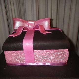 Gift Box Cake 2