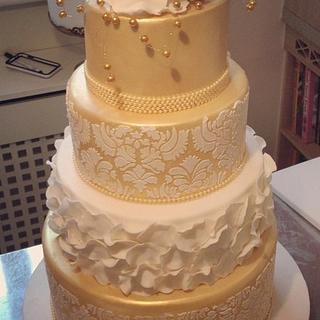 damask gold cake with ruffle rose petals