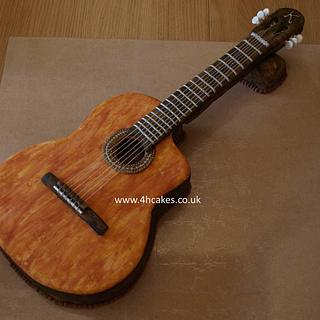 Classical Guitar Cake - 4hcakes