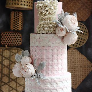 HAUTE COUTURE INSPIRED HAND WEAVING CAKE
