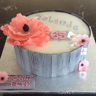 Crackled effect cake