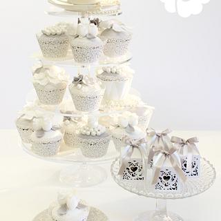 Winter White cupcakes