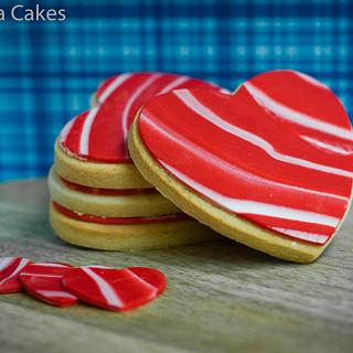red and white marbled fondant Valentines cookies
