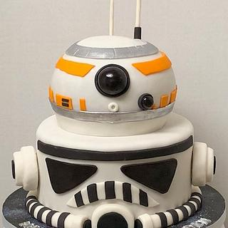 Star Wars Stormtrooper and BB8 cake
