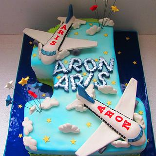 First cake for Aron and Aris....planeeeees - Cake by COMANDATORT