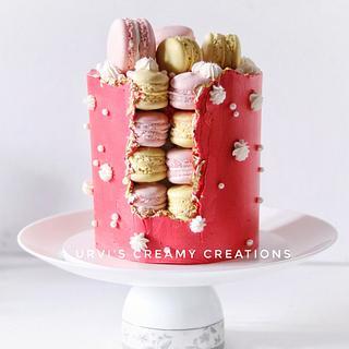 Macaron faultline cake