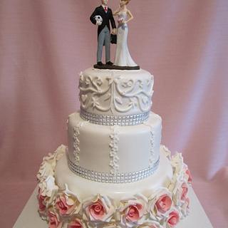 Rose Wedding Cake - Cake by pahuljaa