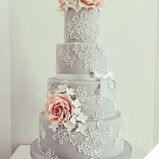 Wedding cake in grey