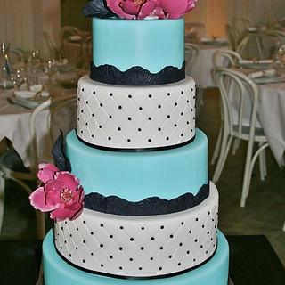 5 tiered cake with fantasy magnolias