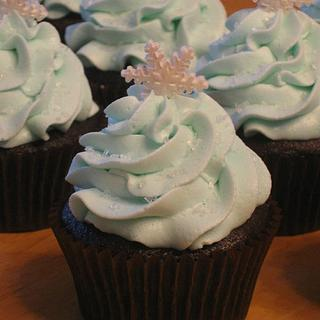 Snow and Ice Cupcakes - Cake by Becky Pendergraft