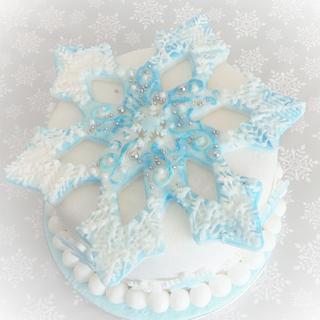 Snowflake - Cake by Jacqui's Cupcakes & Cakes