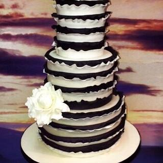 Black and White Ruffle Cake - Cake by Thecakecart