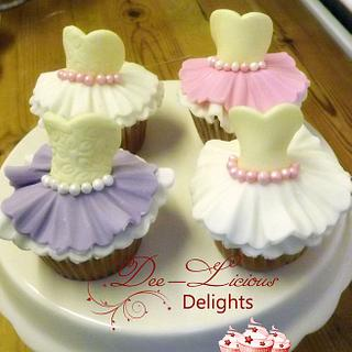 Dressed up cupcakes