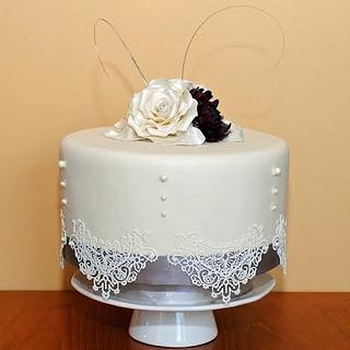 Small and Elegant - Cake by Sylvania Cakes - Exeter