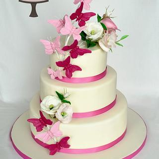 Wedding Cake with Butterflies and Eustoma - Cake by Martina