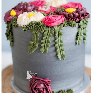 1st attempt for buttercream flowers - Cake by Taartjes van An (Anneke)