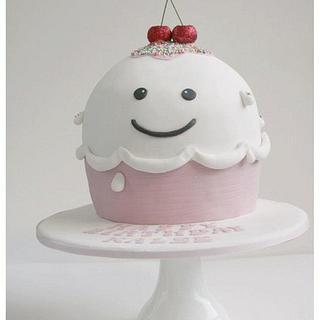 The icecream! - Cake by Patricia Tsang