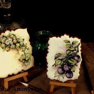 Watercolour painting on cookies, imitation of china porcelain painting