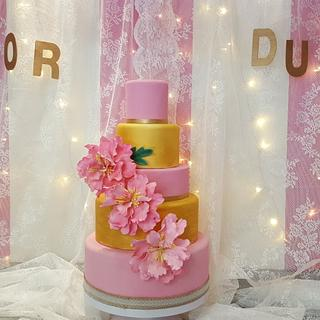 Pink and gold peonies  - Cake by Dulce & Sweet designs