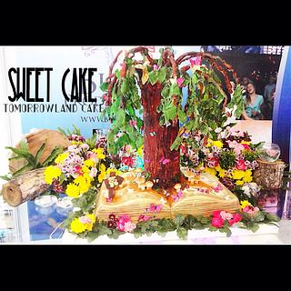 Tomorrowland cake