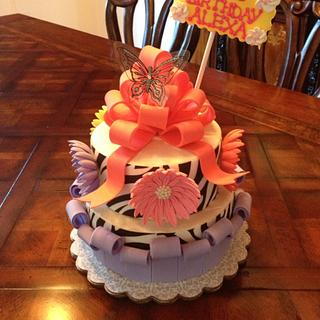 Girly fun birthday! - Cake by Sugared Tiers