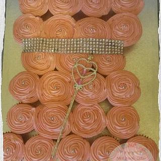 Princess Dress Pullapart Cupcakes Cake